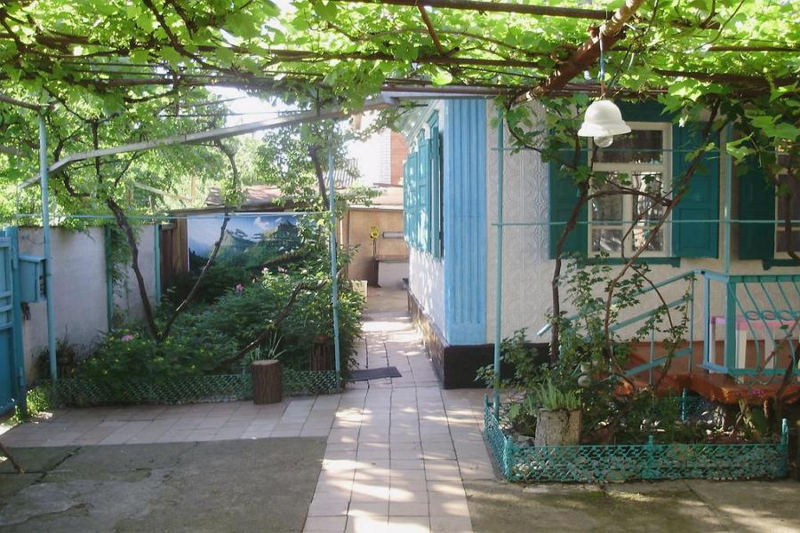 Дом в Мостовском