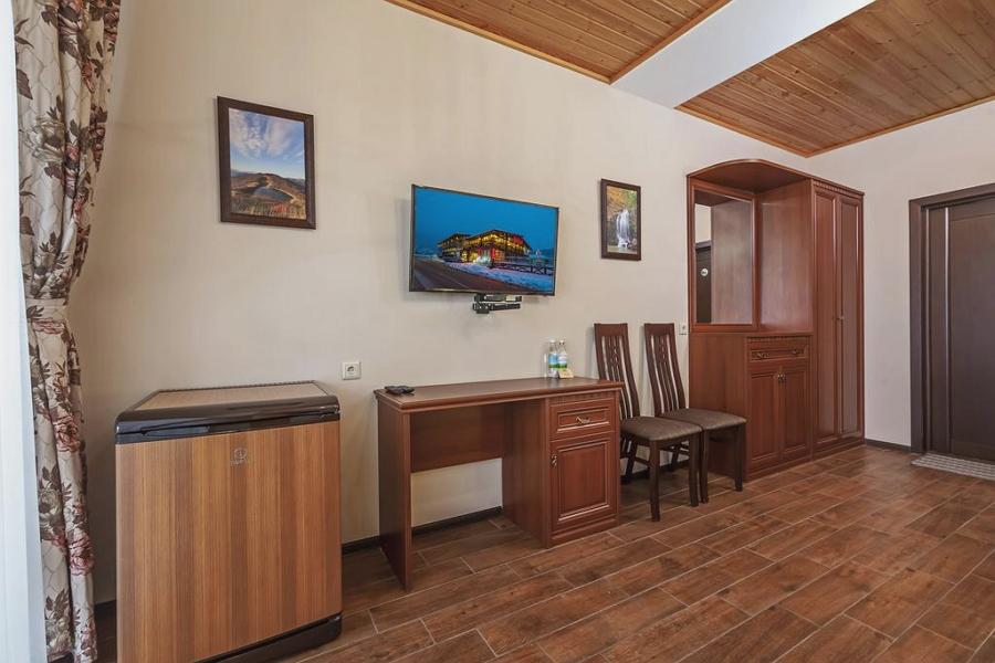 Гостевой дом «Куршевель» в Гуамке